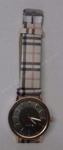 Moteriškas laikrodis su juodu ciferblatu - ciferblatas ir dirželis