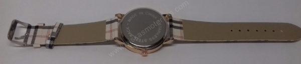 Moteriškas laikrodis su juodu ciferblatu - visu ilgiu nugara
