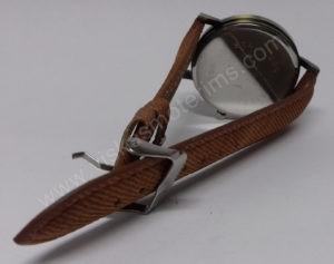 Vyriškas laikrodis juodu ciferblatu aukso spalvos ir rudu dirželiu - iš galo užsegtu dirželiu