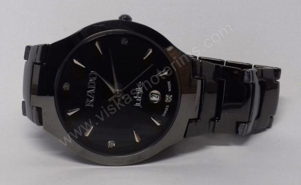 Vyriškas laikrodis Rado su metaline uzsegama apyranke - iš arti ant šono