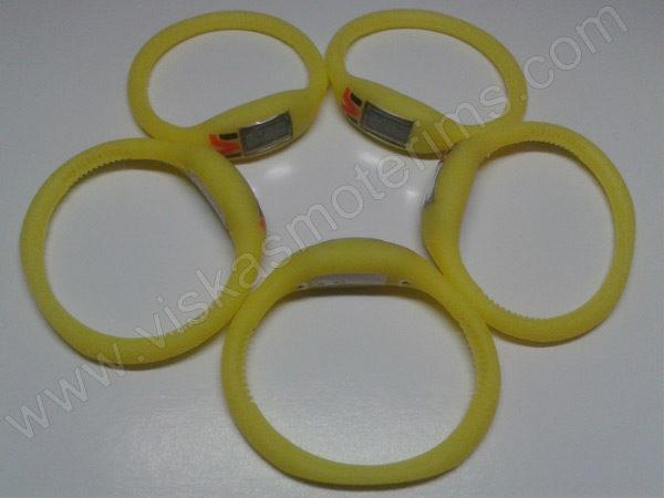 Elektroninis laikrodis silikonine apyranke (geltonos spalvos) - iš šono