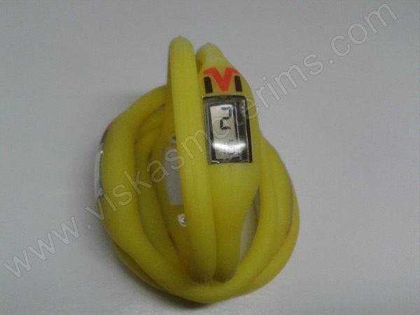 Elektroninis laikrodis silikonine apyranke (geltonos spalvos) - iš priekio ir galo