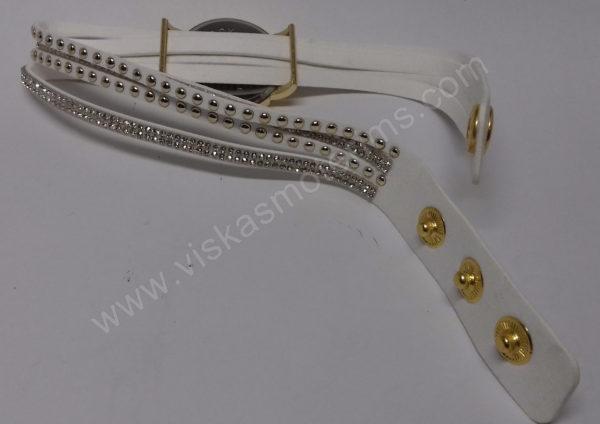 Motertiškas laikrodis balta medžiagine apyranke su akmenukais - iš galo visu ilgiu