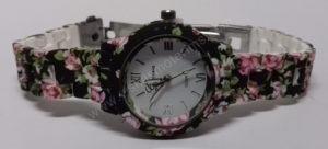 Moteriškas laikrodis matinis su gėlių motyvais - iš priekio