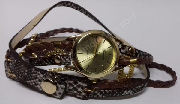 Moteriškas laikrodis ruda medžiagine apyranke - iš priekio
