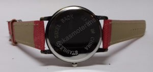 Moteriškas raudonas laikrodis su sekunde lėktuvėliu - iš nugaros