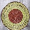 Vėlykinis padėklas dažytiems kiaušiniams ir pyragui - iš apačios
