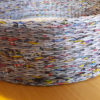 Pintas gultas gyvūnams su gėlėtu kilimėliu - iš šono