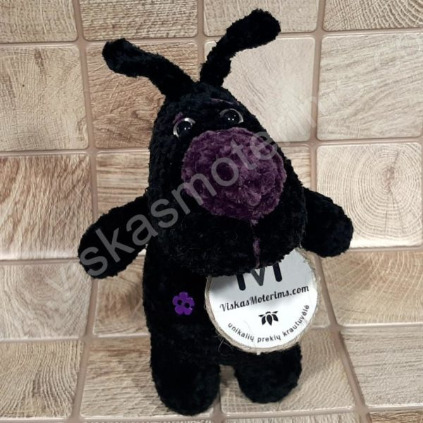 Nertas šuo Filiukas iš pliušinių juodos spalvos verpalų su violetine nosyte - 01