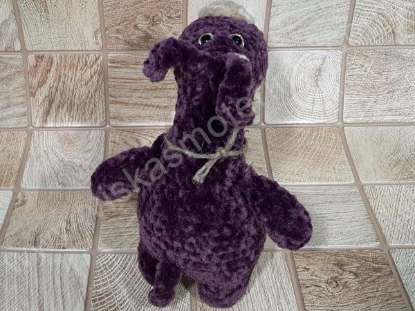 Nertas šuo Filiukas iš pliušinių violetinės spalvos verpalų su kremine nosyte - 03